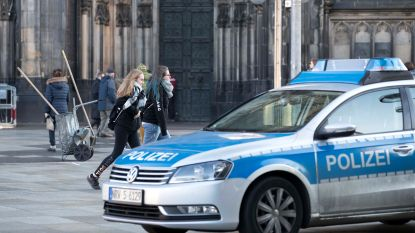 Duitse gemeentehuizen ontruimd na bommeldingen