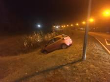 Auto in Vollenhove van weg door beslagen ruiten
