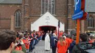 VIDEO. Laatste keer applaus voor Stef Loos: vrienden, ploegmakkers en familie nemen massaal afscheid van wielertalent