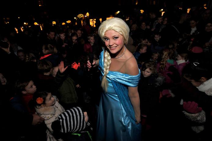 Elsa (van Frozen) opent de ijsbaan. Archieffoto.