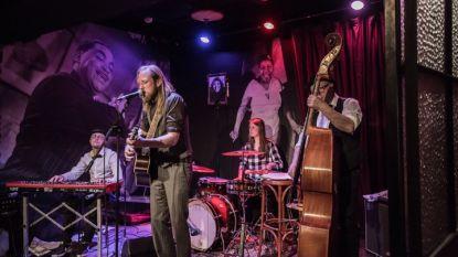 Silas en de Spreeuwen stellen eerste album voor in Theater Tinnenpot