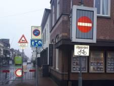 Help! Een wirwar aan borden! Politie wijst Waalwijk op verwarrende situatie