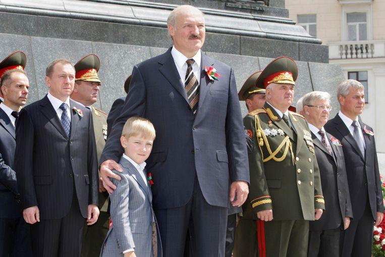 Alexander Loekasjenko, president van Wit-Rusland, tijdens een parade op onafhankelijkheidsdag in het land (AP) Beeld AP