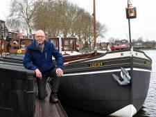 Liefde voor schepen laat Gerrit (77) boek schrijven over Woerdense scheepshistorie