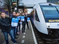 Studenten klaar met ellende op Maaslijn: 'Dit kunnen ze niet maken'