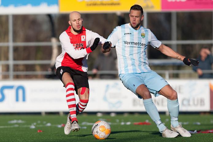 20-01-2019: Voetbal: RKAVV v Halsteren: LeidschendamVlnr: Hamza Boukari if RKAVV, Perry Bierkens of Halsteren