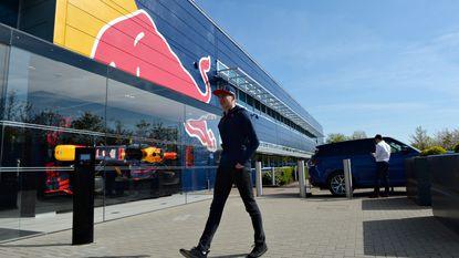 Verstappens naam al op zijn nieuwe bolide bij Red Bull