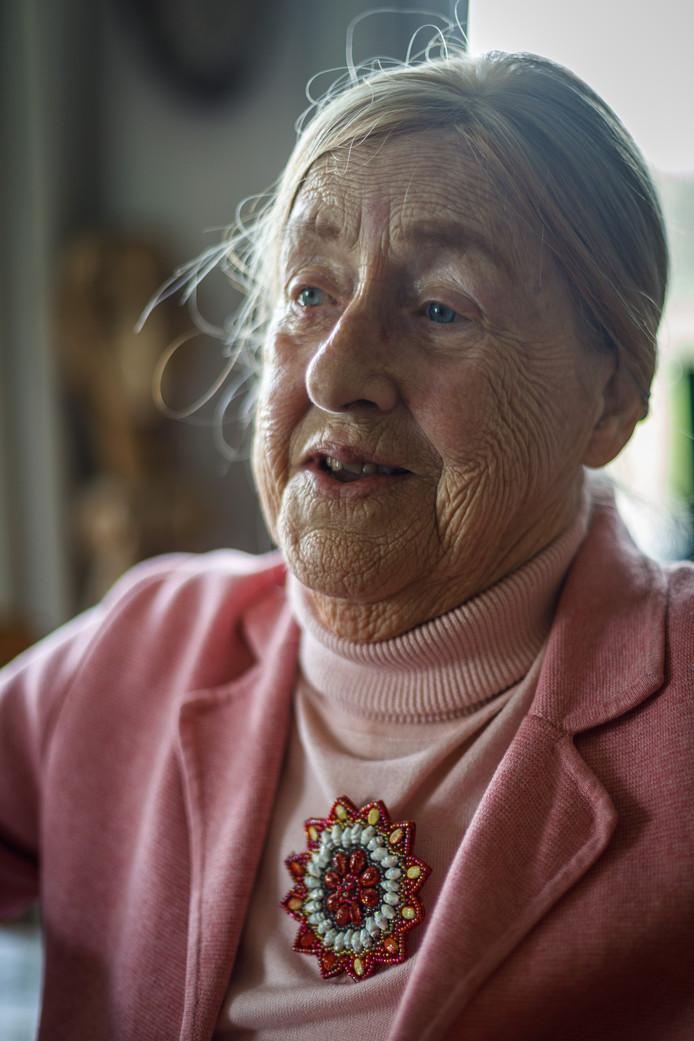 Roos Derks-Bazuijnen: ,,Mijn oude schoolmeester zei altijd: 'Roos, laat je niks wijsmaken en blijf nieuwsgierig en kritisch.' Die tips heb ik ter harte genomen.''