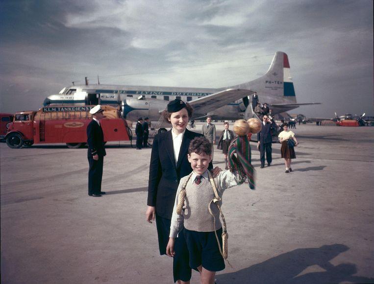 Schiphol 1949, foto voor KLM kalender Beeld Hollandse Hoogte / Maria Austria Instituut