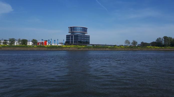 Het nieuwe hoofdkantoor van Fokker in Papendrecht.