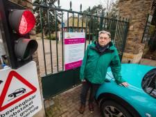 'Geweigerde' invalide bezoekers begraafplaats gaan demonstreren voor het stadhuis