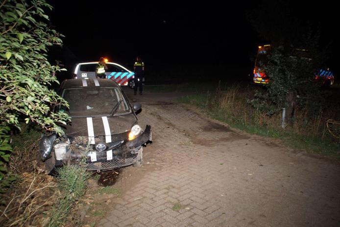 De zwaar beschadigde auto na het incident bij Silvolde.