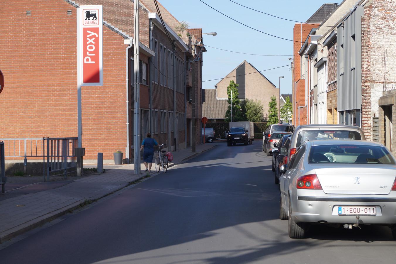 In de Surmontstraat geldt vanaf woensdag eenrichtingsverkeer