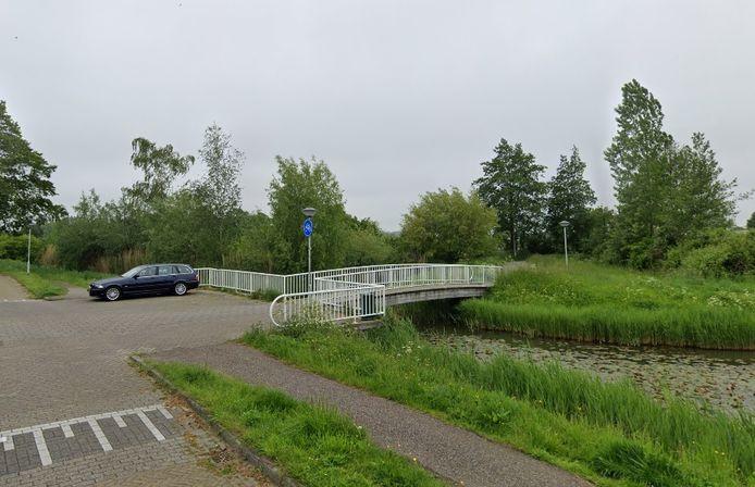 In verband met onderhoudswerkzaamheden is de brug aan de Opalstraat van 2 tot 13 november afgesloten.