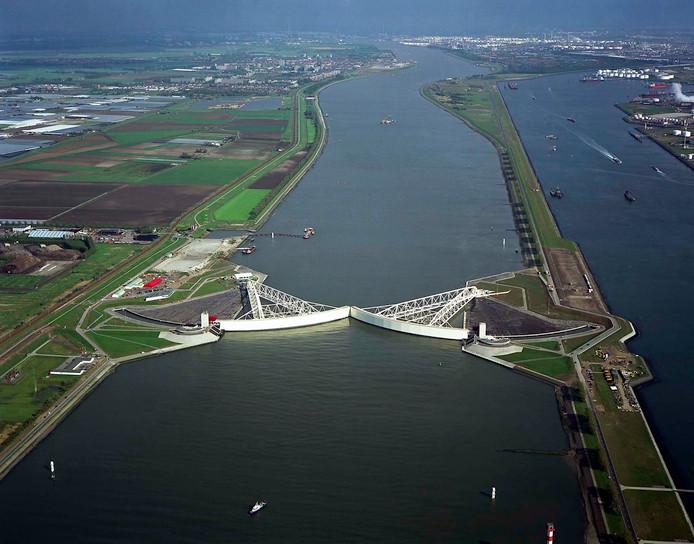 De Maeslantkering bij Hoek van Holland.