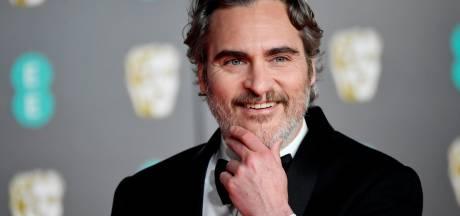Joaquin Phoenix vernoemt zoontje naar overleden broer River