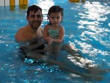 Gewichtloos in het water: Sara staat!