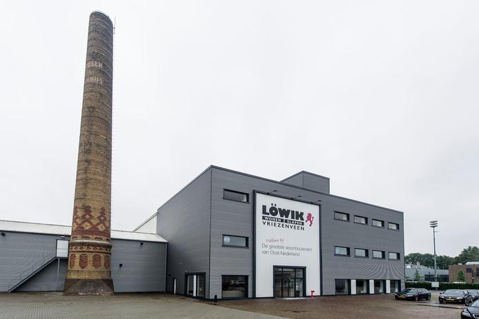 Het pand van Löwik in Vriezenveen.