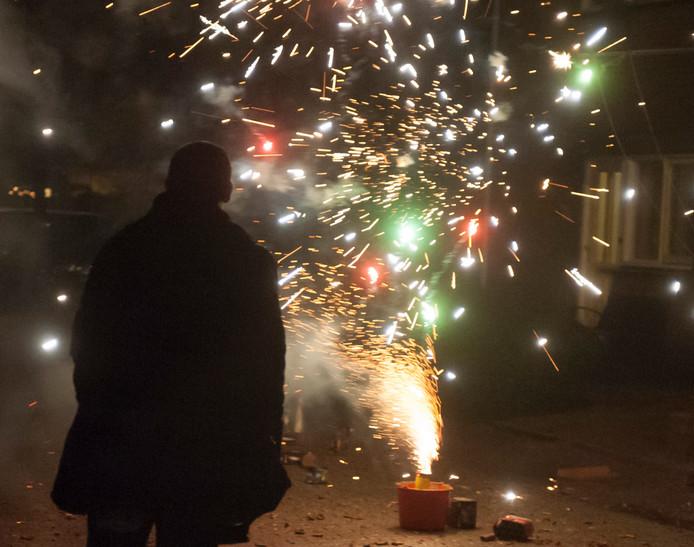 Vuurwerk afsteken mag alleen op oudejaarsavond tussen 18.00 en 02.00 uur.