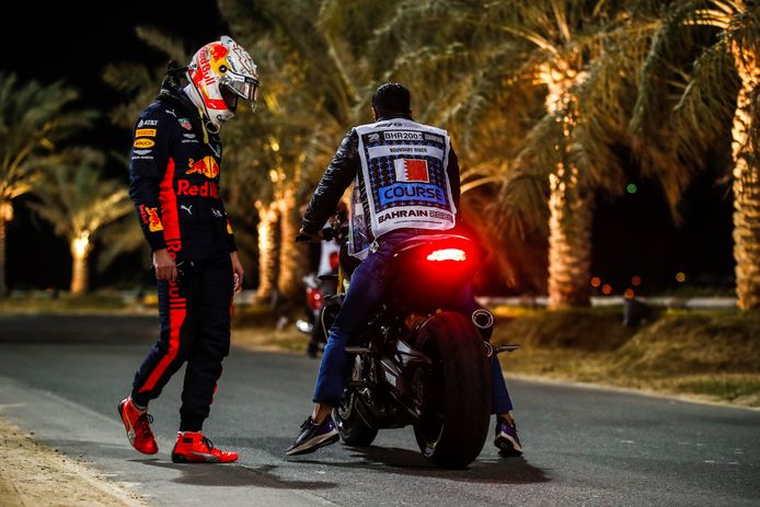 Max Verstappen, Red Bull Racing, gets on a course motorcycle after retiring FORMULE 1 : Grand Prix de Sakhir - 06/12/2020 © PanoramiC ! only BELGIUM !