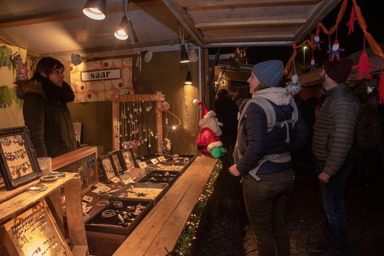 Gezellige Kerstmarkt THOG op het Dorpsplein van Massemen