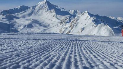 Verse sneeuw voor de Alpen in de krokusvakantie
