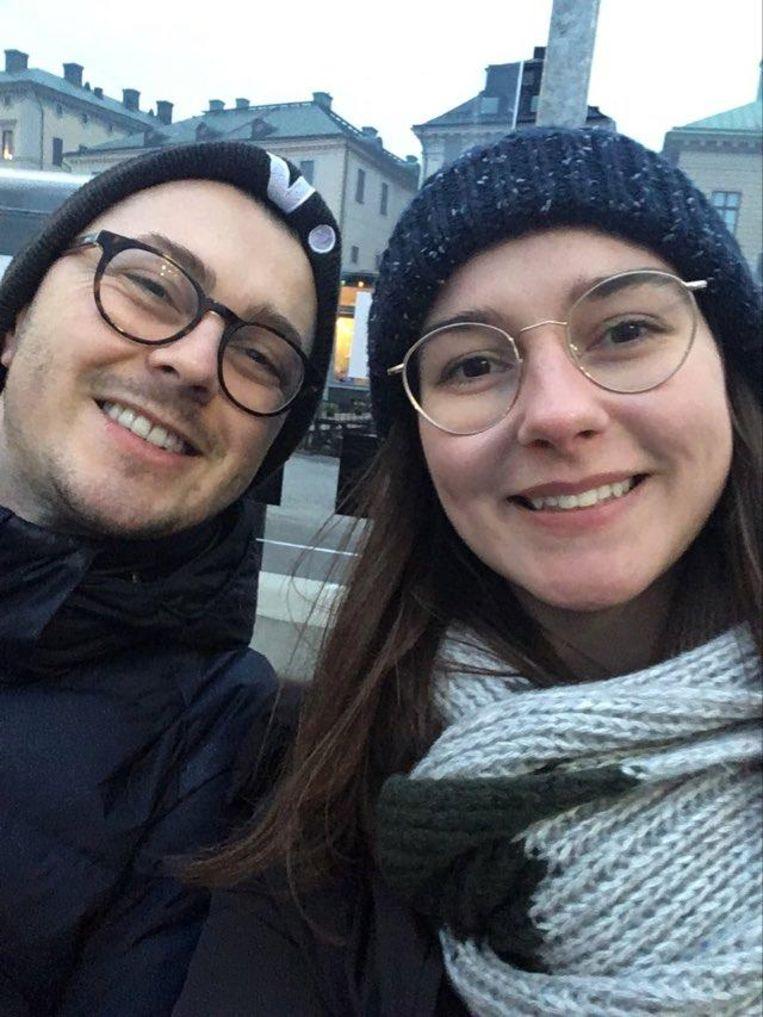 Marie huurt samen met haar vriend Lars  een appartement in Stockholm.