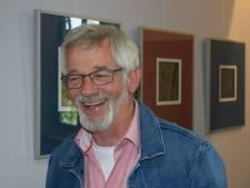 Kunstenaar Olijslagers presenteert zijn vakantiedoeboek