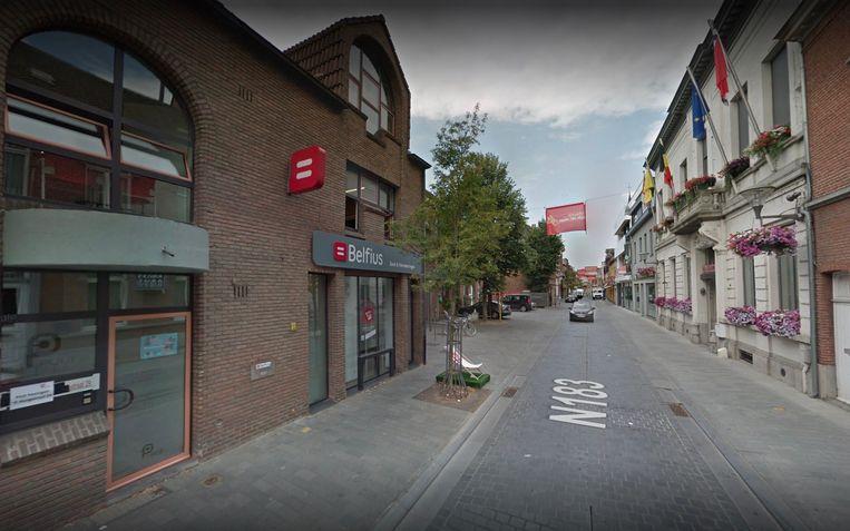 Het Belfius-bankkantoor in de Hoogstraat in Puurs-Sint-Amands