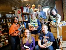 Afscheid van 'moeder Anja' van het Bonhoeffer in Enschede: 'In de mediatheek voelde je je veilig'