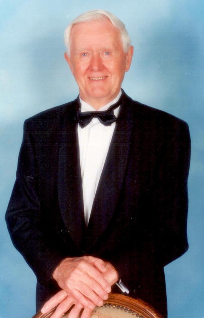 Theo Verstappen overleed in 2012 op 98-jarige leeftijd. Hij liet een fortuin na aan 11 goede doelen en het Noordbrabants museum.