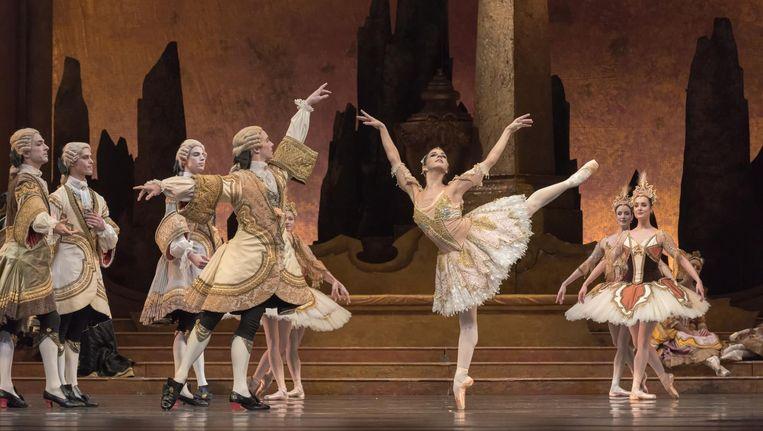 Weelderige kostuums en decors zijn een lust voor het oog in de klassieker The Sleeping Beauty Beeld Marc Haegeman