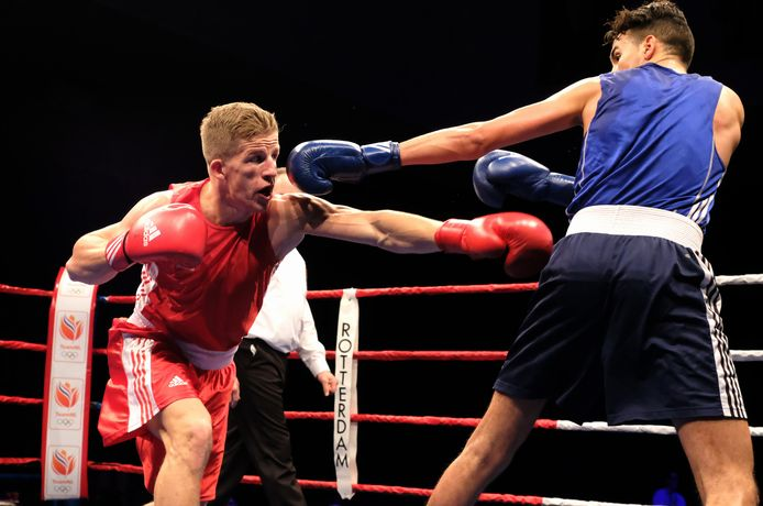 Max van der Pas bij het NK boksen 2017