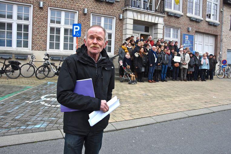 Initiatiefnemer van de petitie Geert Vanneste voor het dorpshuis in Rekkem.