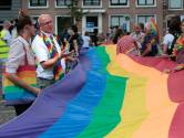 Regenboogvlaggen bij de kerk in protest tegen 'Nashville-predikant': 'Oncomfortabele boodschap'
