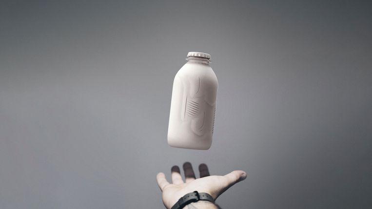 Een prototype van een papieren fles.