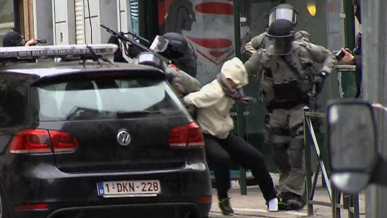 Salah Abdeslam when he was arrested in the Molenbeek area in Brussels on the 18th of March, 2016. Beeld ap