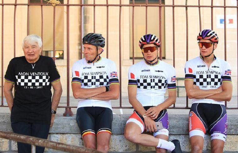 Van links naar rechts: Raymond Poulidor, Adrie van der Poel, David van der Poel en Mathieu van der Poel.