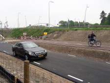 Nieuwe route voor fietsers en auto's bij Kaatsheuvel geopend