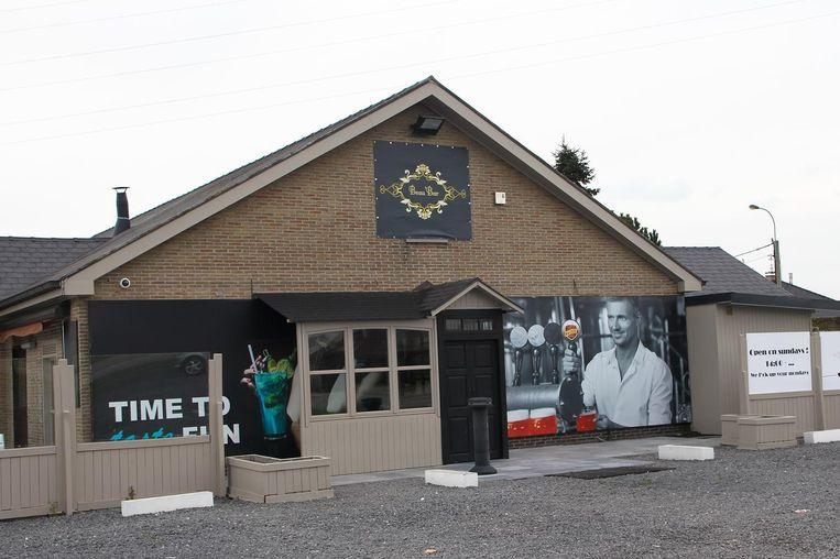 De zaakvoerders van Beau'Bar in Ingelmunster werden het slachtoffer van een oplichter.