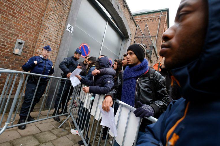 Asielzoekers aan het Klein Kasteeltje in Brussel.