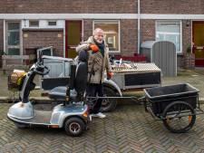 Anton (85) is nooit thuis: 'Ik heb mijn huis alleen om te slapen'