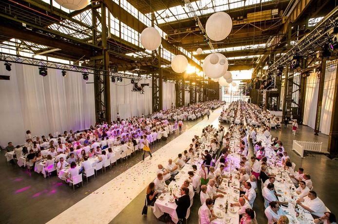 De Werkspoorkathedraal tijdens een bedrijfsfeest.