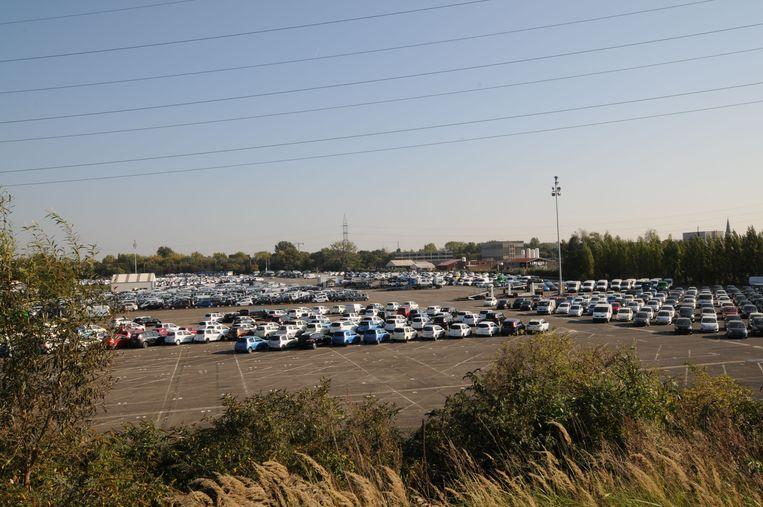 Op de voormalige Renaultparkings, achter het station, zou een nieuw ziekenhuis moeten komen.