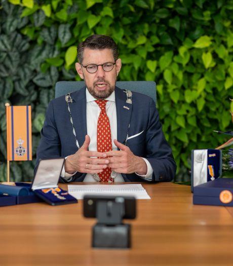 Burgemeester maakt zich grote zorgen: 'Aantal mensen met coronavirus loopt heel snel op'