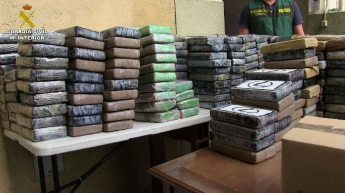 Een deel van de drugs die in beslag werd genomen in de haven van Valencia.