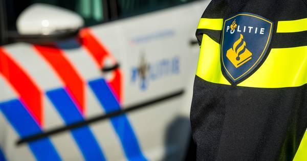 Meerdere aanhoudingen na schietpartij nabij A10, politie doet inval in pand in Amsterdam.