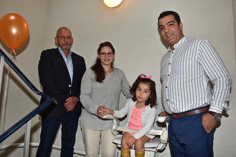 Ines en haar ouders en Claude Soete, zaakvoerder van Otolift.