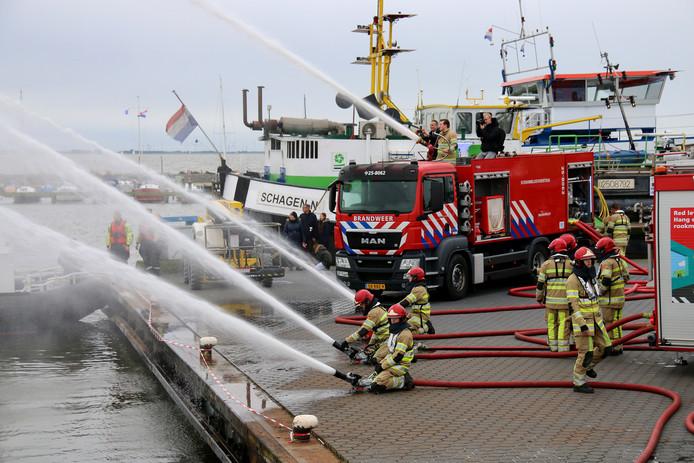 Bij grote branden moet de brandweer sneller op kunnen treden met een verdubbeling van de capaciteit aan water. Daarvoor is op landelijk niveau een nieuw systeem ontwikkeld en daarvan wordt de eerste aangeboden aan Flevoland'', legt projectleider René Rieken uit.