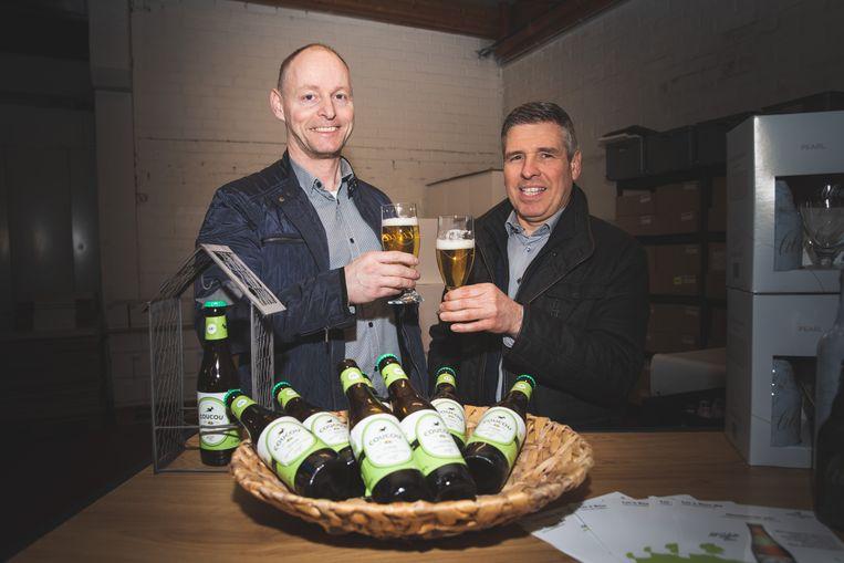 Joeri Cools (47) en Geert De Paepe (50) met hun Coucou, biologisch en glutenvrij.